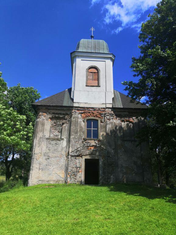 kostel svatého Matouše v Deštném