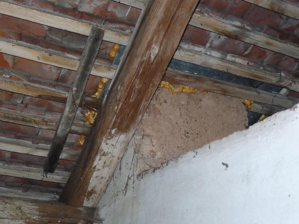 zatékání střechou