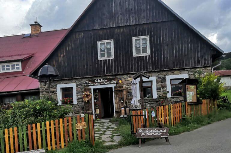 ateliér Zvonaře a hrnčířky Deštné